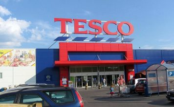 Tesco, fot. C41n, CC BY-SA 3.0, Wikimedia Commons
